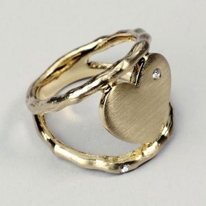 The Sweetheart Ring by JewelMint